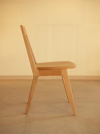オリジナルデザイン 木製椅子 Kチェアー横