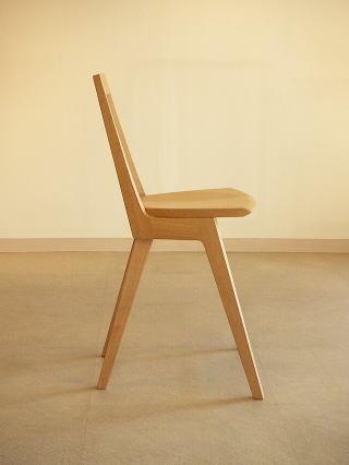 オリジナルデザイン 木製椅子 Kハイチェアー横