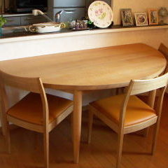 半円テーブル