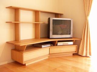 ブーメラン型テレビボード|オーダー家具 作例