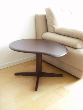 葉っぱ型サイドテーブル