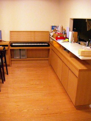 電子ピアノ収納台とカウンター収納