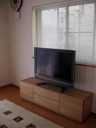 無垢材のテレビボード