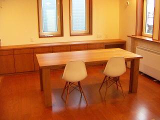 テーブルとサイドボード