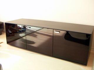 ガラス扉のローボード