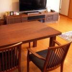 ウォルナット無垢材テーブル