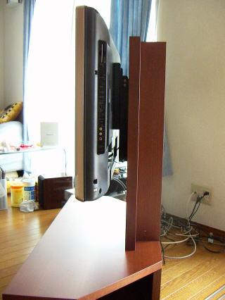 コーナーテレビ台 テレビを支える支柱部分