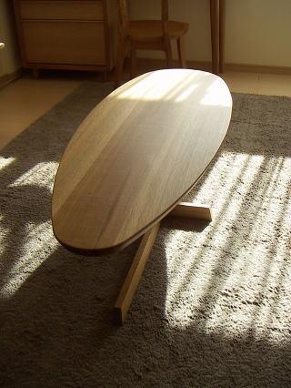 カマボコ型センターテーブル