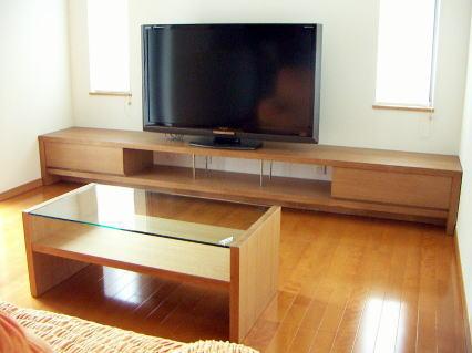 テレビローボード3032とセンターテーブル