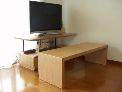 ミニテーブルを引き出した所の写真
