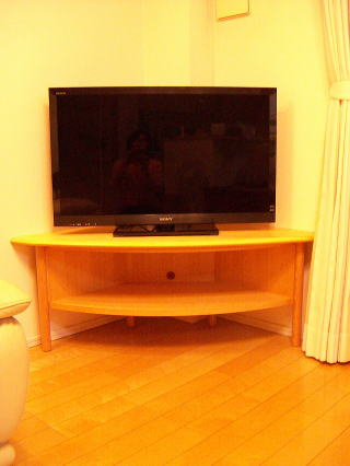 柱欠きコーナーテレビ台
