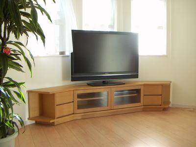出窓テレビボード