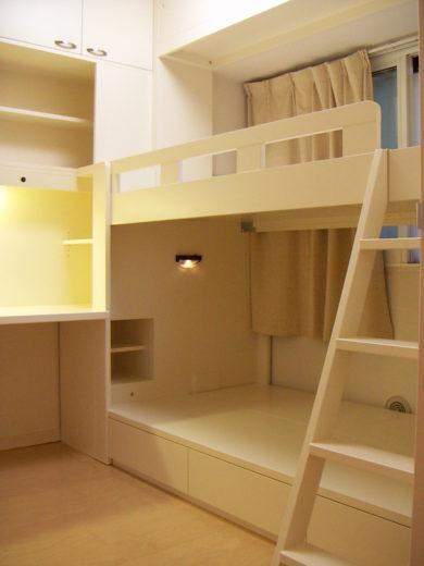 子供部屋の壁面デスクと二段ベッド|オーダー家具作例