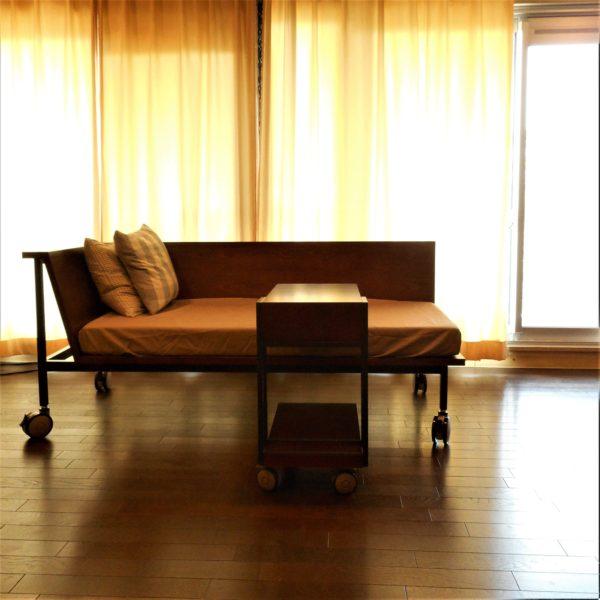 デイベッド&サイドテーブル 正面から撮影