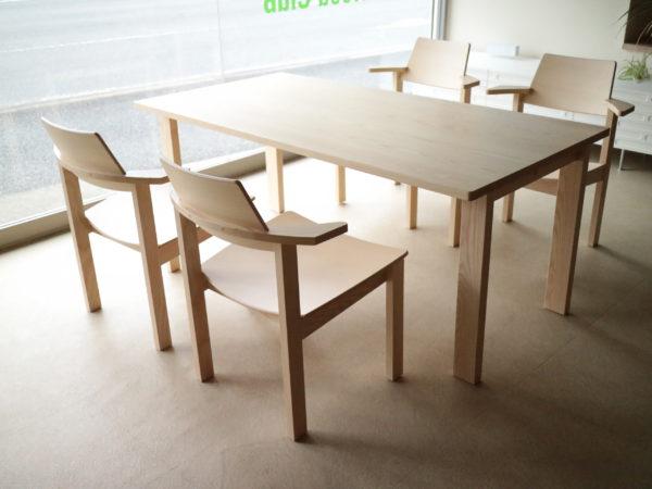 タートル チェア&テーブル 「低め」「板座」「チョイ肘」