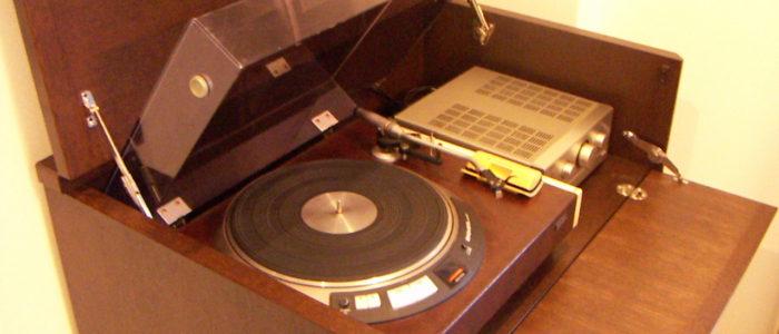 レコードプレーヤー収納部分