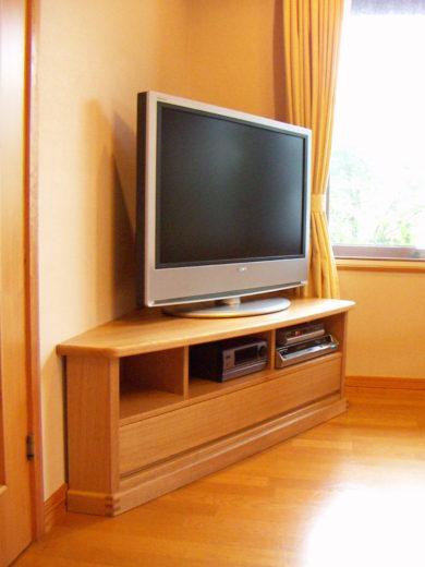 角度30度のコーナーテレビ台