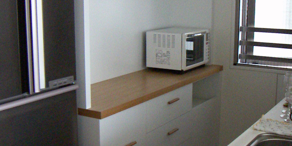 ゴミ箱収納付きキッチンボード